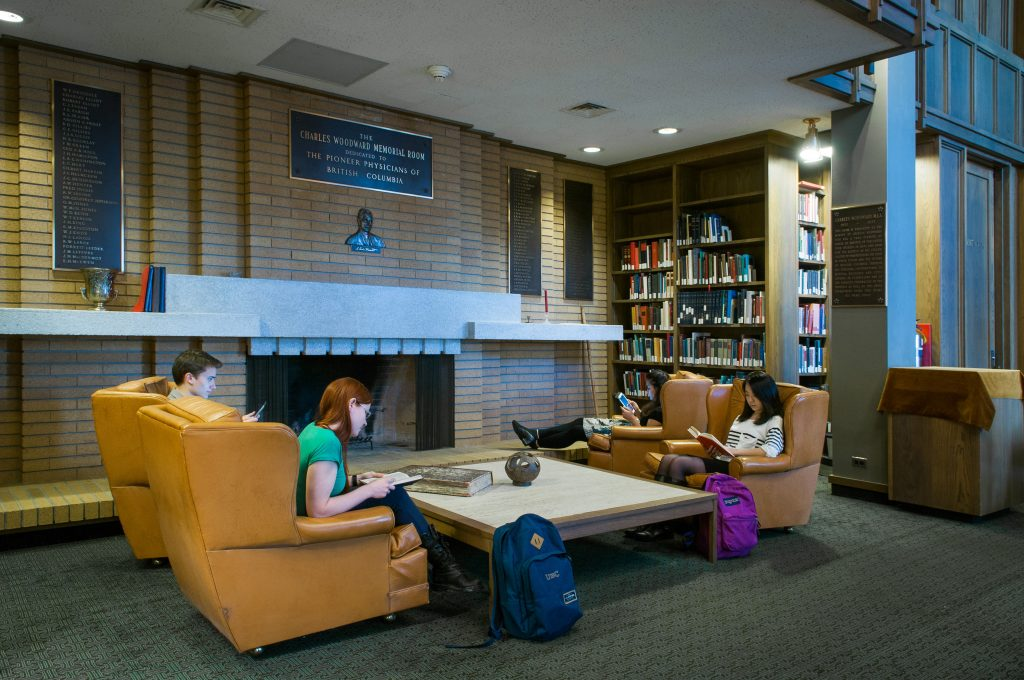 Students use the Woodward Memorial Room for silent study.